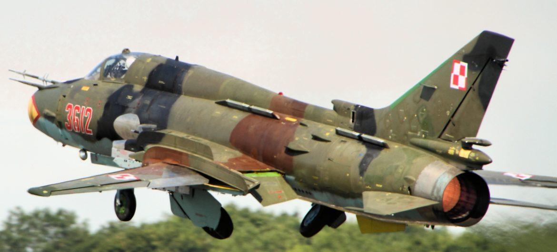 SU-22_Fitter_-_RIAT_2014_15403224246-117